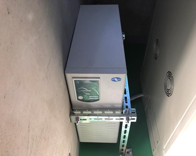 新:停電時自動着床装置 エレベーターご利用中に停電が発生した場合、最寄階まで運行しご利用者様が閉じ込められる事を防ぎます。