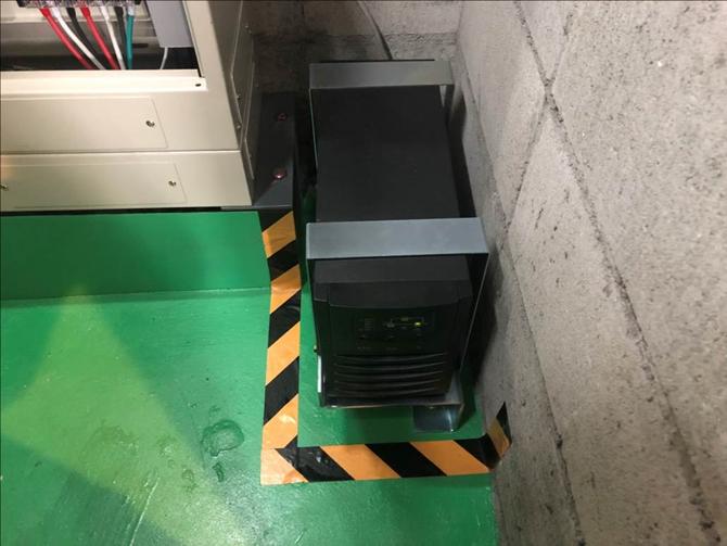耐震対策:停電時自動着床装置 停電発生時に最寄階に停止し、ご利用者様の安全を確保致します。
